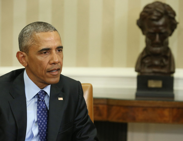 Barack+Obama+President+Obama+Meets+Loretta+PbWD6cNPt_Nl