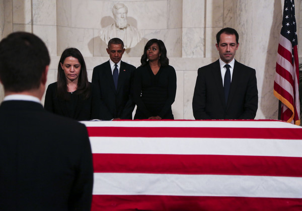Barack+Obama+Antonin+Scalia+Body+Lies+Repose+At-o2YTxJKjl
