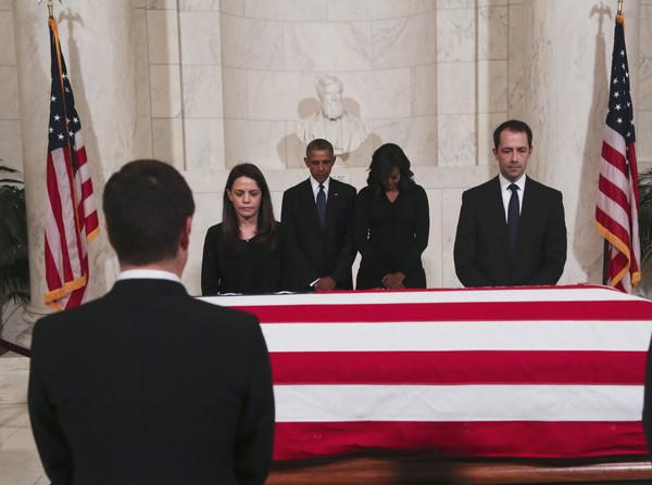 Barack+Obama+Antonin+Scalia+Body+Lies+Repose+J0LmXrYHUCnl