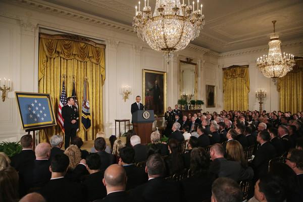 Barack+Obama+Obama+Presents+Medal+Honor+Navy+LzIrNkxShLNl