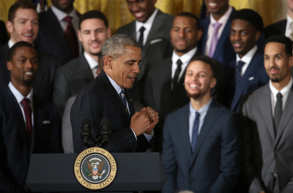 Barack+Obama+Obama+Welcomes+2015+NBA+Champion+Au2qPq3k2dll
