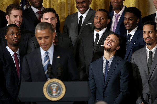 Barack+Obama+Obama+Welcomes+2015+NBA+Champion+pTha3-awwHVl