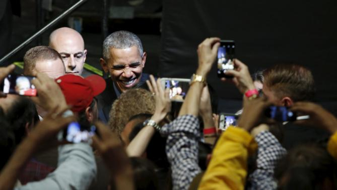 U.S. President Barack Obama greets supporters after delivering remarks at a Democratic National Committee event in Austin, Texas March 11, 2016. REUTERS/Jonathan Ernst