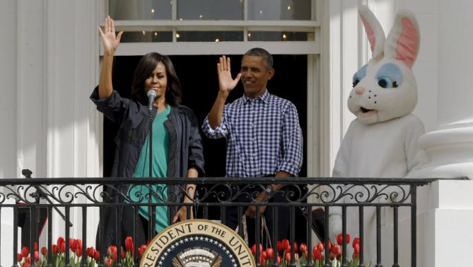U.S. President Barack Obama and first lady Michelle Obama say they might dance the Whip and the Nae Nae as they preside over the annual Easter Egg Roll at the White House in Washington March 28, 2016. REUTERS/Jonathan Ernst