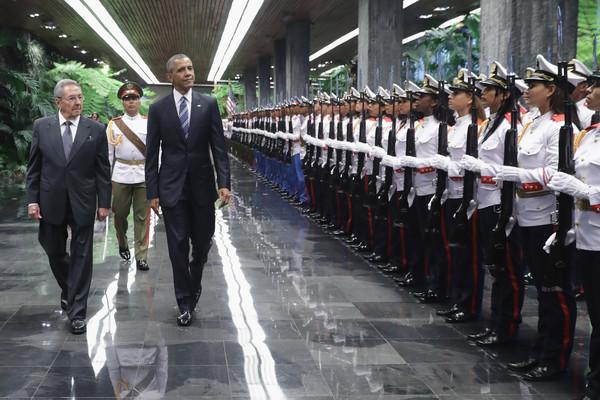 Barack+Obama+President+Obama+Meets+Cuban+President+ARMhhA5UNyVl