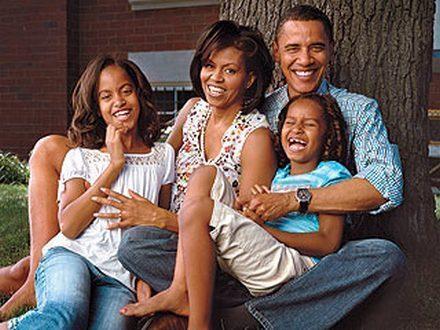 Obama-s-the-obama-family-4667700-440-330