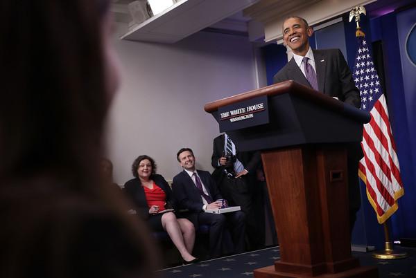 Barack+Obama+President+Obama+Drops+College+6rVSB4-0Beql