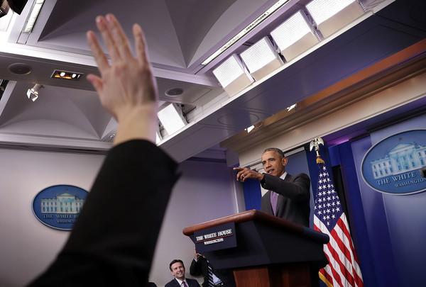Barack+Obama+President+Obama+Drops+College+NWjIecG5SM1l