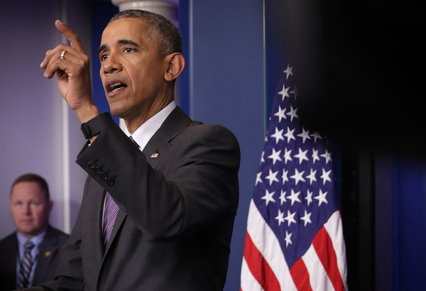 Barack+Obama+President+Obama+Drops+College+t4lVh6jRMeAl