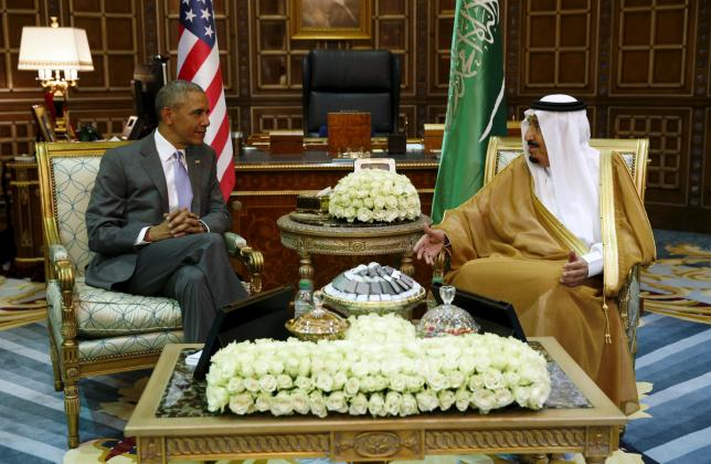 U.S. President Barack Obama meets with Saudi King Salman at Erga Palace upon his arrival for a summit meeting in Riyadh, Saudi Arabia April 20, 2016. REUTERS/Kevin Lamarque