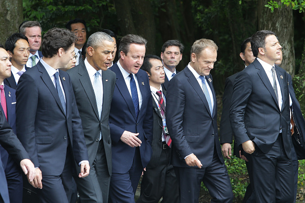 ISE, JAPAN - MAY 26: (L-R) Canadian Prime Minister Justin Trudeau, U.S. President Barack Obama, British Prime Minister David Cameron, European Council President Donald Tusk and Italian Prime Minister Matteo Renzi walk as they visit at Ise Jingu Shrine on May 26, 2016 in Ise, Japan. In the two-day summit, the G7 leaders are scheduled to discuss the pressing global issues including counter-terrorism, energy policy, and sustainable development. (Photo by Chung Sung-Jun/Getty Images)