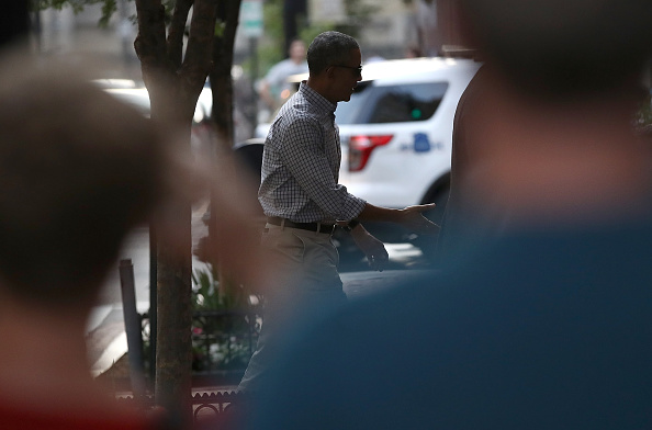 WASHINGTON, DC - MAY 28: U.S. President Barack Obama walks into the restaurant Oyamel May 28, 2016 in Washington, DC. Obama played golf earlier today as well after returning from a week long trip to Asia. (Photo by Win McNamee/Getty Images)