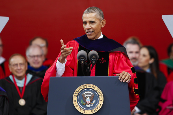Barack+Obama+Obama+Delivers+Commencement+Address+e9J5MZjfCQhl
