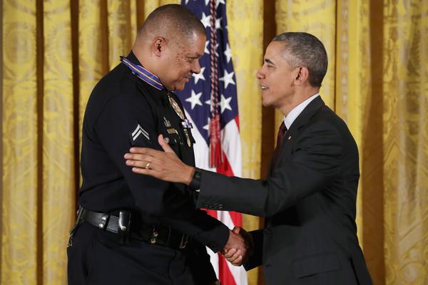 Barack+Obama+President+Obama+Awards+Presidential+QS35mkwqOwQl