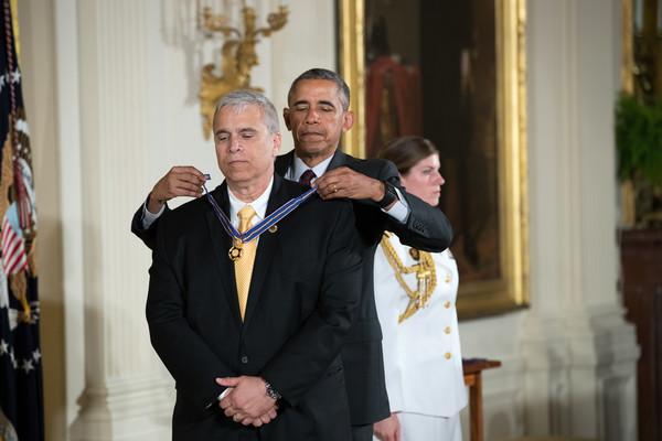 Barack+Obama+President+Obama+Awards+Presidential+uzrP088_icBl