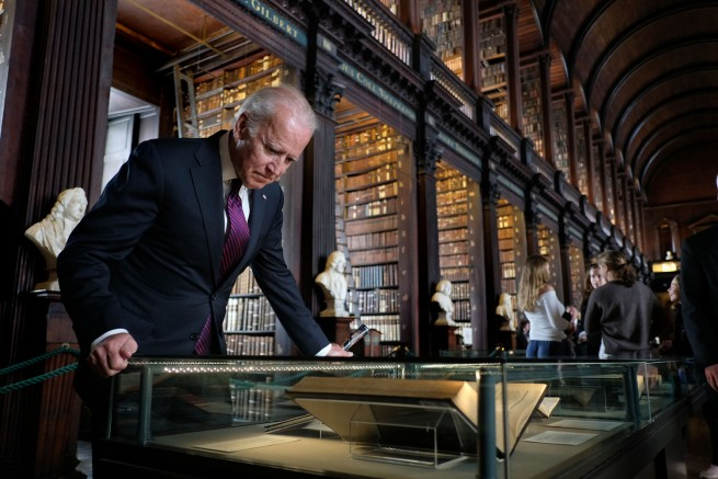 Vice President Joe Biden looks at James Joyce manuscripts in the Trinity College Library, in Dublin, Ireland, June 24, 2016. (Official White House Photo by David Lienemann)