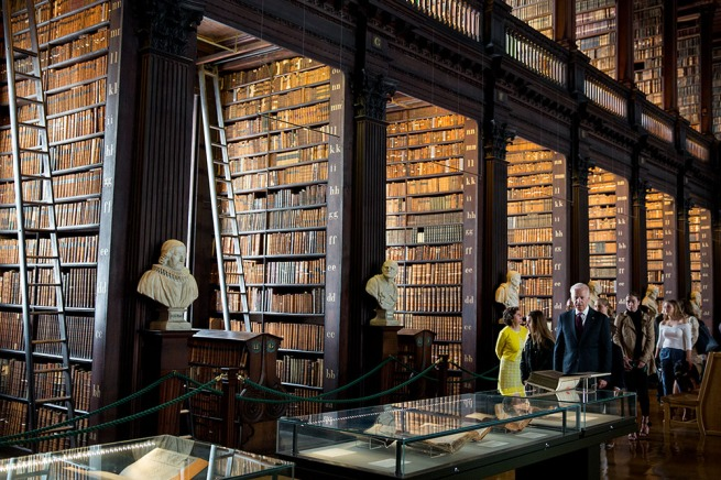 Vice President Joe Biden and his grandchildren tour the Trinity College Library, in Dublin, Ireland, June 24, 2016. (Official White House Photo by David Lienemann)