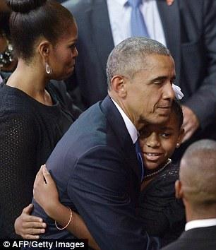 2A02CF5B00000578-3140987-US_President_Barack_Obama_embraces_Eliana_Pinckney-a-10_1435357511194