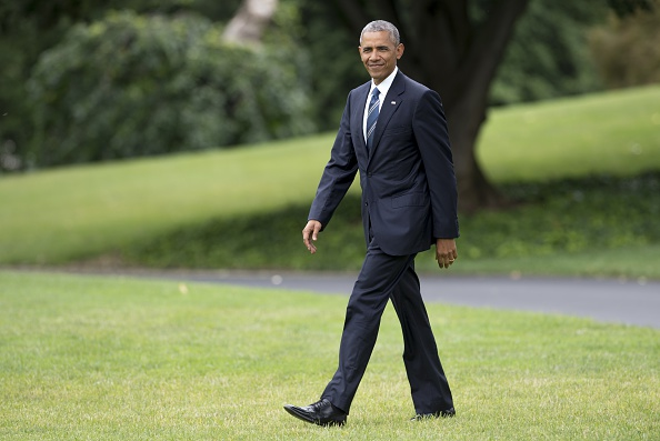 US President Barack Obama walks to Marine One prior to departure from the South Lawn of the White House in Washington, DC, June 23, 2016, en route to California and Washington. / AFP / SAUL LOEB (Photo credit should read SAUL LOEB/AFP/Getty Images)