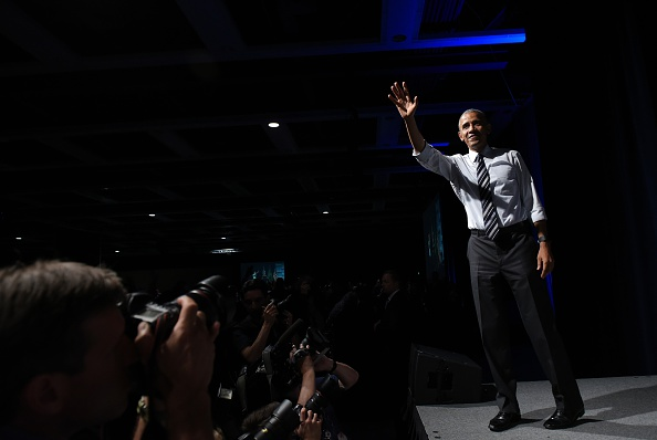 US President Barack Obama waves after speaking at a fundraiser for Washington Governor Jay Inslee at the Washington State Convention Center in Seattle, Washington on June 24, 2016. / AFP / MANDEL NGAN (Photo credit should read MANDEL NGAN/AFP/Getty Images)