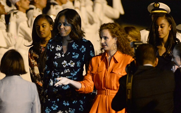 US first lady Michelle Obama is welcomed by the Moroccan Princess Lalla Salma at the Marrakech International Airport, on June 28, 2016. / AFP / FADEL SENNA (Photo credit should read FADEL SENNA/AFP/Getty Images)