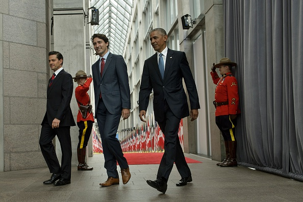 (L-R)Mexican President Enrique Pena Nieto, Canadian Prime Minister Justin Trudeau and US President Barack Obama arrive for the North American Leaders Summit and Leaders Summit at the National Gallery of Canada on June 29, 2016 in Ottawa, Ontario. / AFP / Brendan Smialowski (Photo credit should read BRENDAN SMIALOWSKI/AFP/Getty Images)