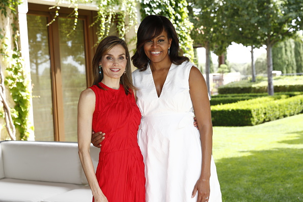 MADRID, SPAIN - JUNE 30: In this handout image provided by the Spanish Royal Palace, Queen Letizia of Spain and Michelle Obama are seen at Zarzuela Palace on June 30, 2016 in Madrid, Spain. (Photo by Casa de Su Majestad el Rey via Getty Images)