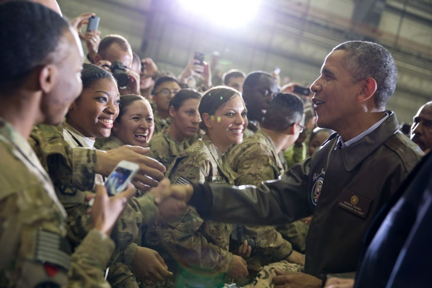 U.S. troops react as they shake hands with the President. (Official White House Photo by Pete Souza)