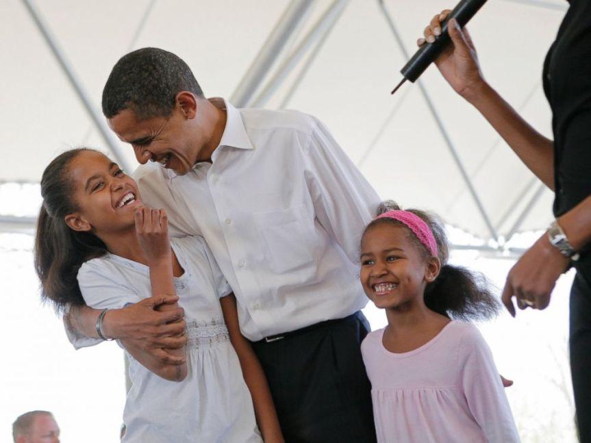 AP_barack_obama_sasha_malia_2008_jt_150621_4x3_992