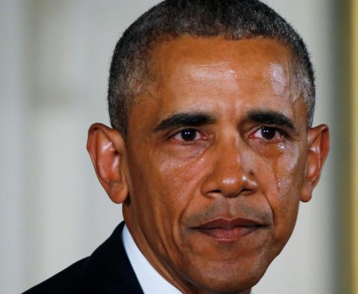 U.S. President Barack Obama sheds a tear while delivering a statement on steps the administration is taking to reduce gun violence in the East Room of the White House in Washington January 5, 2016. REUTERS/Carlos Barria