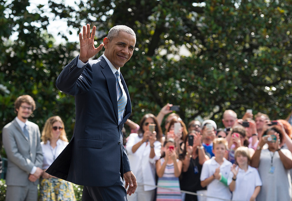 US President Barack Obama departs the White House for his trip to Warsaw, Poland, on July 7, 2016, in Washington, DC. / AFP / MOLLY RILEY (Photo credit should read MOLLY RILEY/AFP/Getty Images)