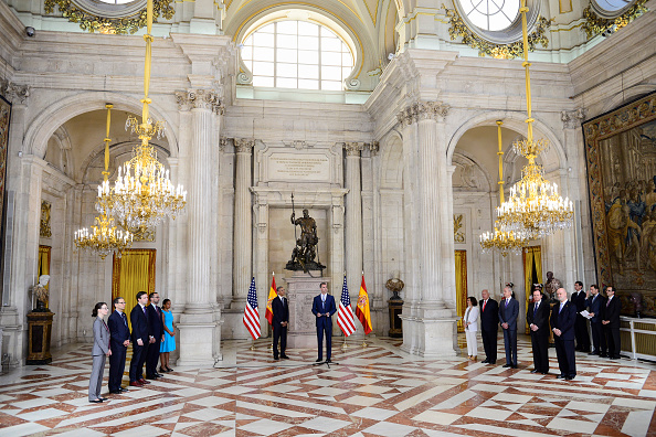 MADRID, SPAIN - JULY 10: King Felipe VI of Spain (R) receives US President Barack Obama (L) at The Royal Palace on July 10, 2016 in Madrid, Spain. President Obama arrived yesterday from the NATO summit in Warsaw and has reportedly had to shorten his first official visit to Spain after the Dallas shootings which killed five policemen on Thursday. (Photo by Borja B. Hojas - Pool/Getty Images)