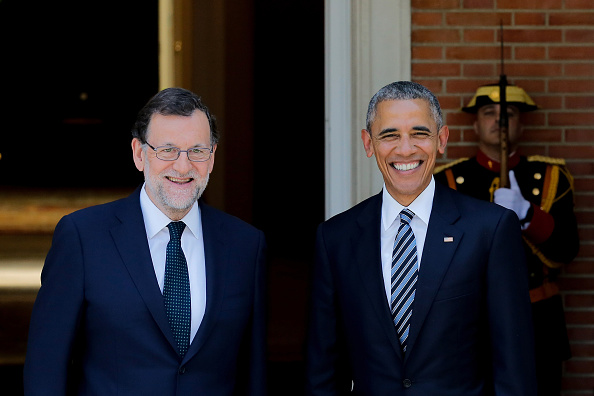 MADRID, SPAIN - JULY 10: Spanish Prime Minister Mariano Rajoy (L) receives U.S. President Barack Obama (R) at Moncloa Palace on July 10, 2016 in Madrid, Spain. President Obama arrived yesterday from the NATO summit in Warsaw and has reportedly had to shorten his first official visit to Spain after the Dallas shootings which killed five policemen on Thursday. (Photo by Pablo Blazquez Dominguez/Getty Images)