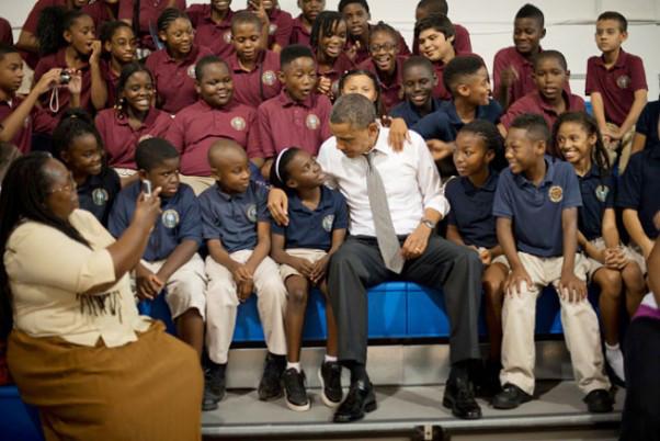 obama-with-kids-602x402