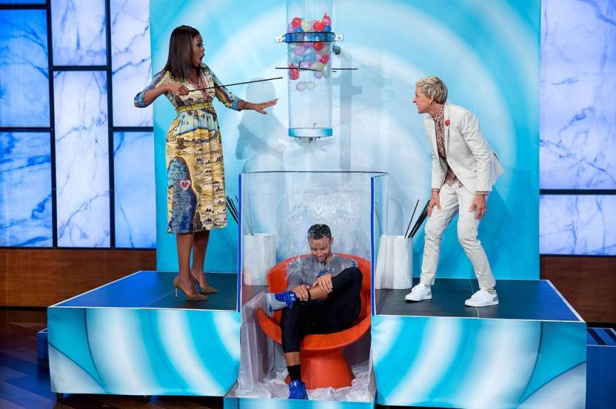 first lady michelle obama on ellen the obama diary. Black Bedroom Furniture Sets. Home Design Ideas