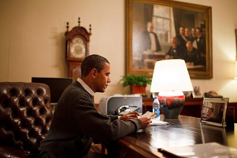 barack-obama-writing-a-letter1